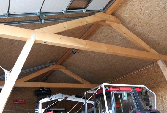 Garagengebäude für Forstmaschinen